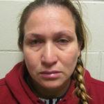 """Mujer acusada de robarse más de 30,000 dólares de un """"cuchubal"""""""