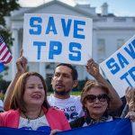 El gobierno de Trump cancelará el TPS a casi 200,000 inmigrantes salvadoreños